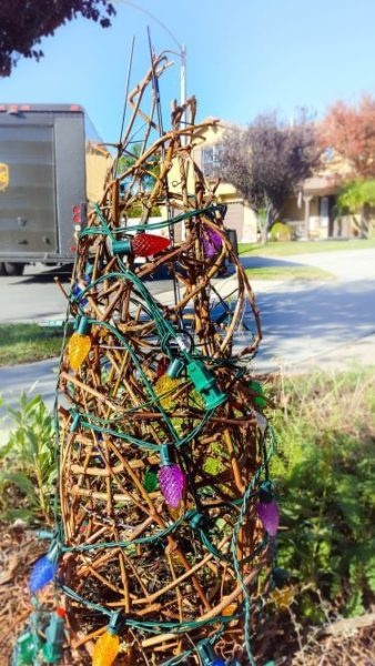 grapevine tomato cage tree with lights